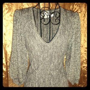 Max Studio XS woven v neck quarter sleeve dress